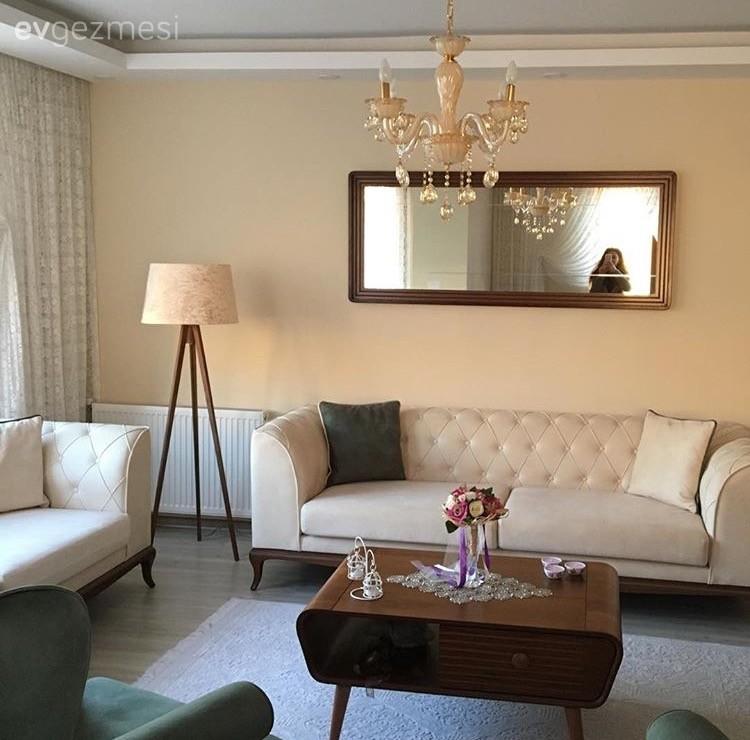 Toprak renkler, sıcak ve sofistike bir dekor.. Suzan hanımın salonu..