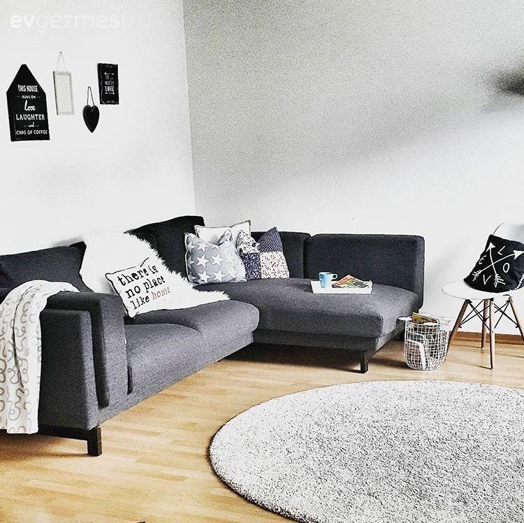Cansu hanımın sade mobilyalar ve uyumlu aksesuarlarla modern stil evi.