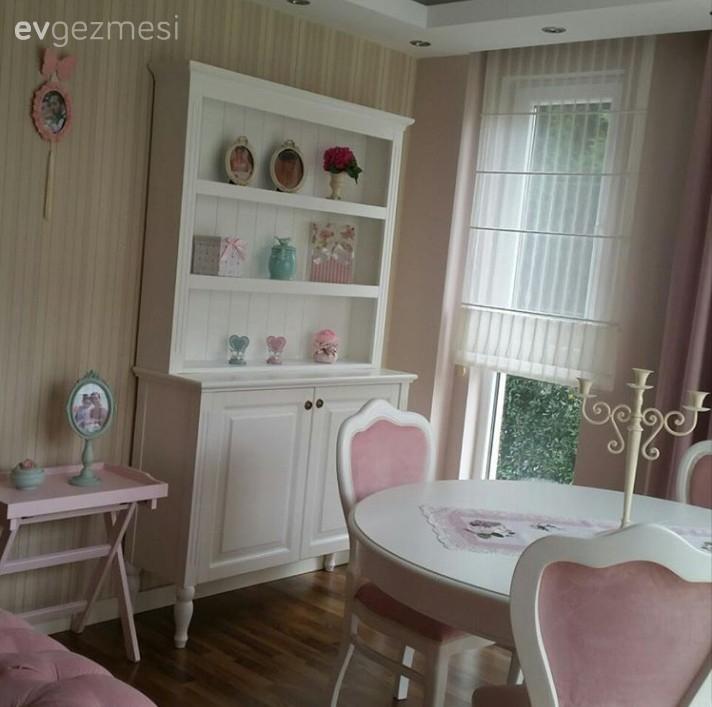 pastel tonlarla country stil bir ev. Black Bedroom Furniture Sets. Home Design Ideas