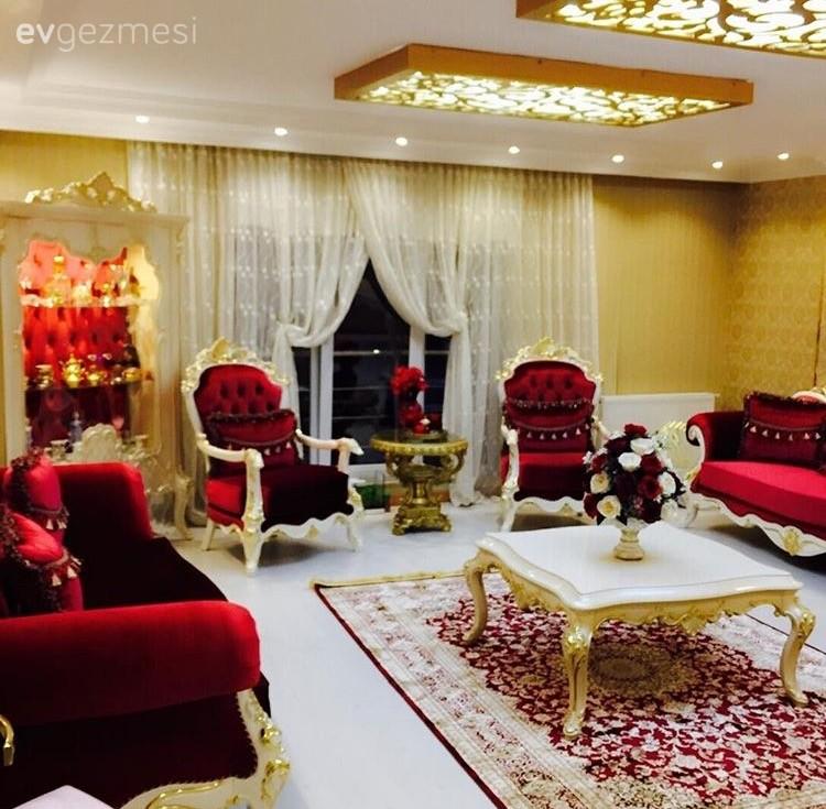 Klasik stilde l ks ve g z al c okan beyin evi for Asma t salon lahore