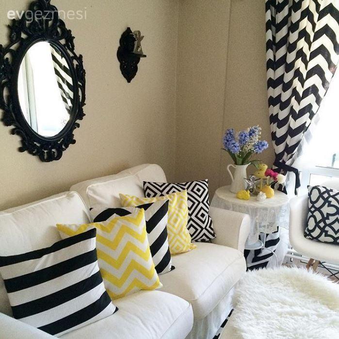 Beyaz renk ile dekorasyon, Fon perde, Ikea, Oturma Odası, Saat, Sarı, Siyah-beyaz, Perde