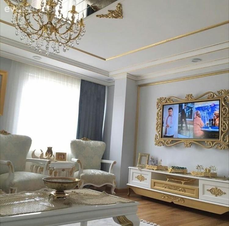 Betül hanımın klasik stilde göz alıcı evi..
