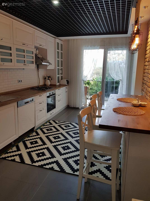 Ankastre, Beyaz mutfak, Country mutfak, Halı, Ikea, Mutfak, Perde, Siyah-beyaz