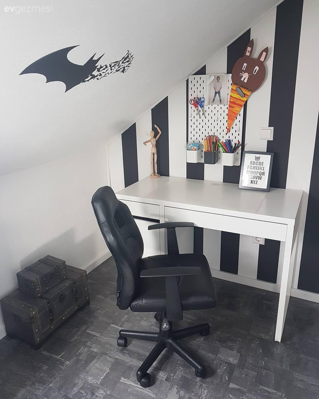 Çocuk Odası çalışma Masası Ve Ahşap Mobilyalar: Çatı Katı Dekorasyon Fikirleri Ve Fotoğrafları