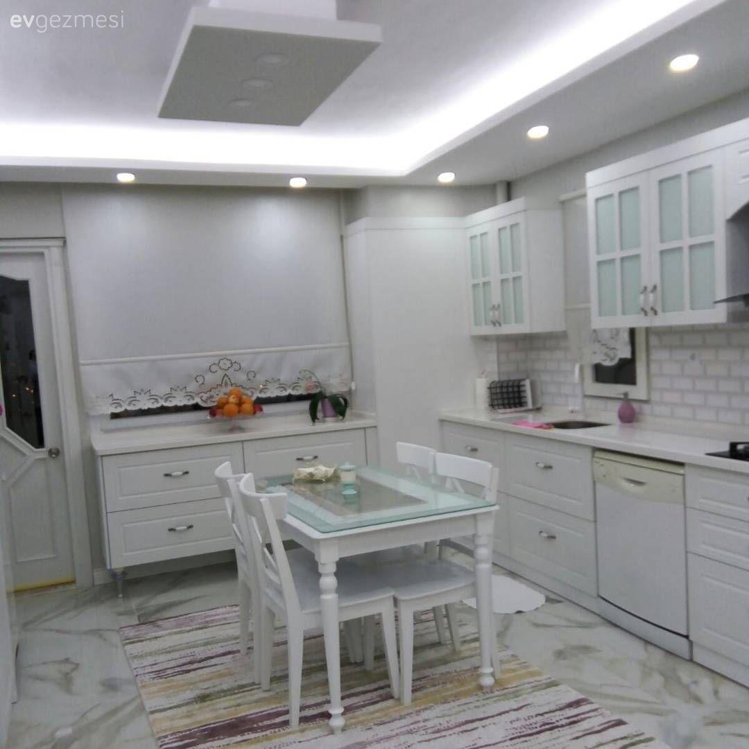 Mutfak Tavan Tasarimlari 5: Beyaz Mutfak Dekorasyon Fikirleri Ve Fotoğrafları