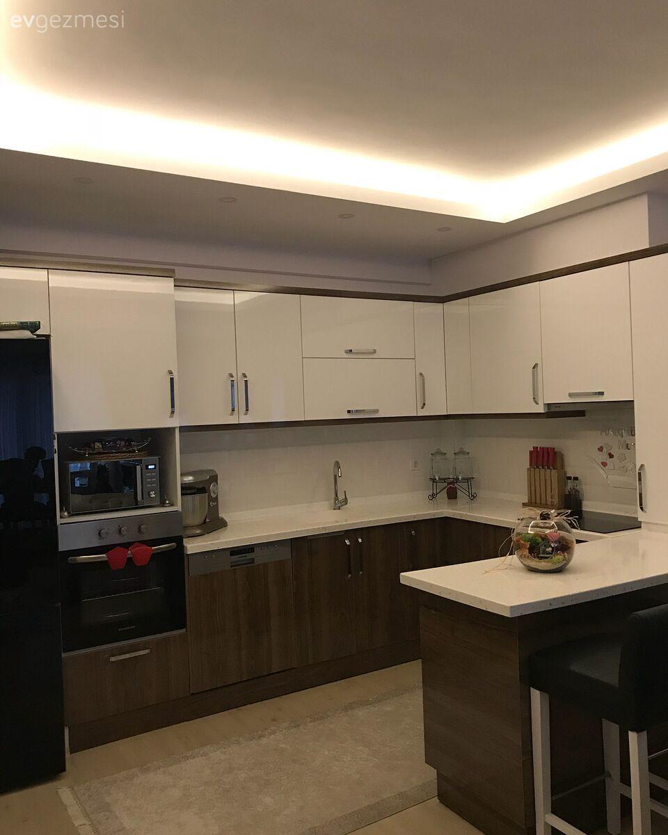 Mutfak Tavan Tasarimlari 5: Asil Renkler, Aynaların ışıltılı şıklığı.. Göz Alıcı Ve